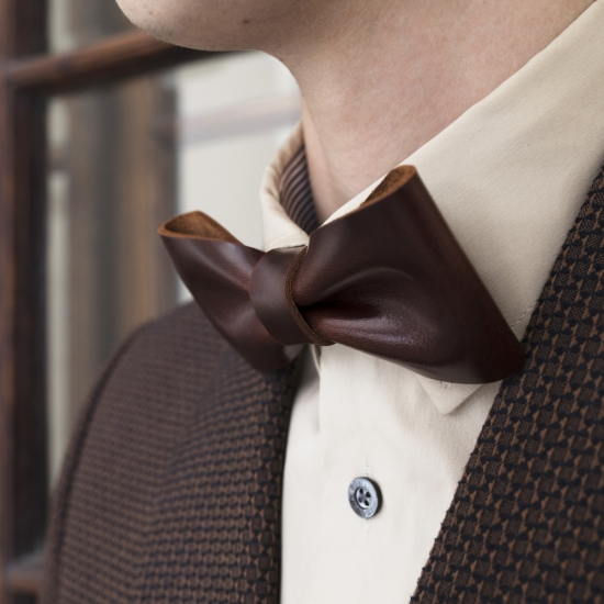 leather-bow-tie-batwing-chestnut-2.jpg